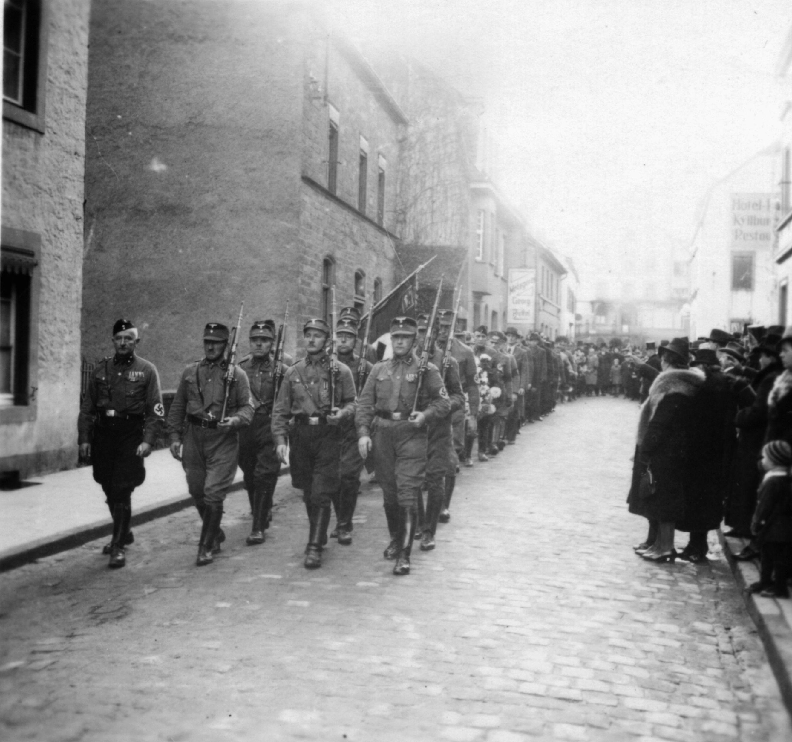 1941 Trauerzug auf der Hochstraße