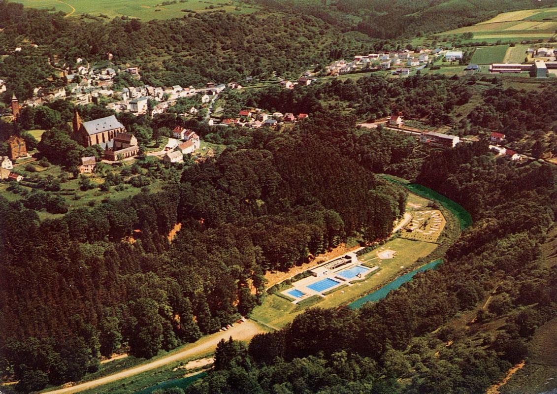 1977-Blick-auf-Freibad