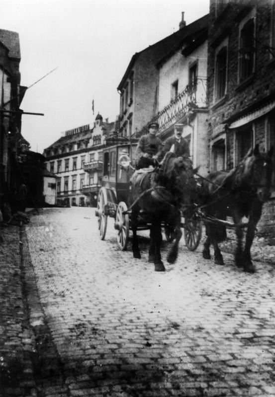 1913-Pferdekutsche.jpg