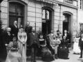 1900-Kurgaeste-vor-Eifeler-Hof.jpg