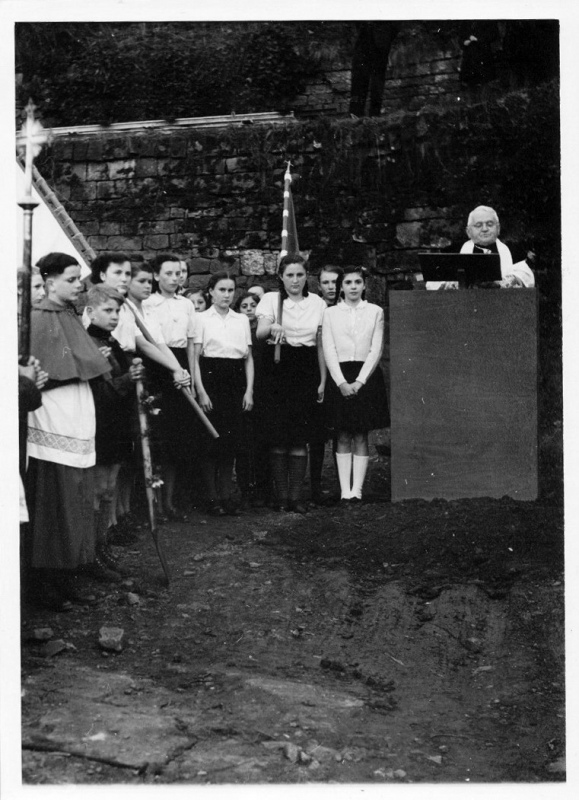 1953.03.19.Spatenstich Maximin_8.jpg