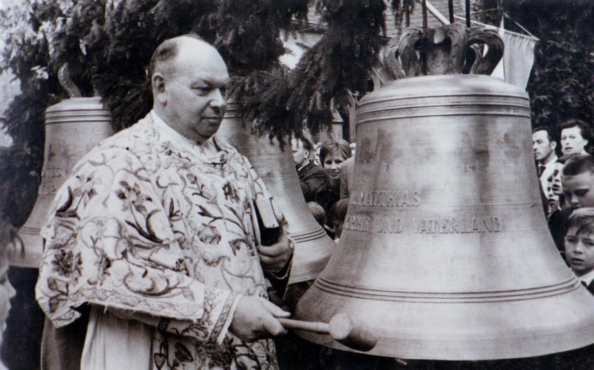 1961.04.23.Glockenweihe_5