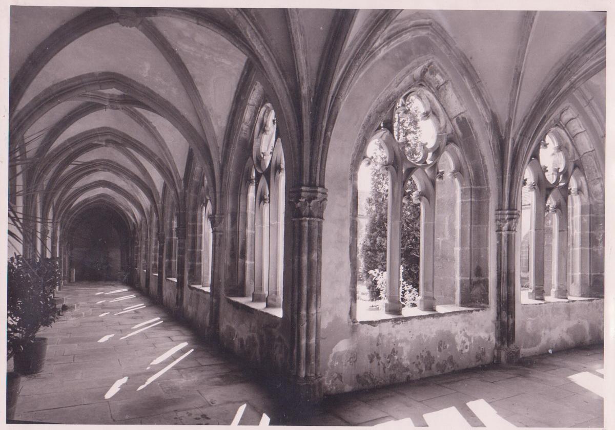 1977.Kreuzgang_1