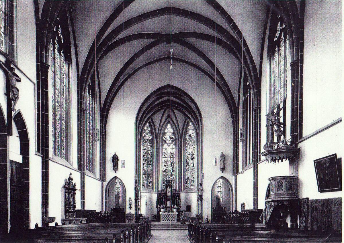 1999.Innenraum-Kirche_1